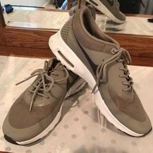 Nike Air Max Thea grey tennis shoes. EUC!